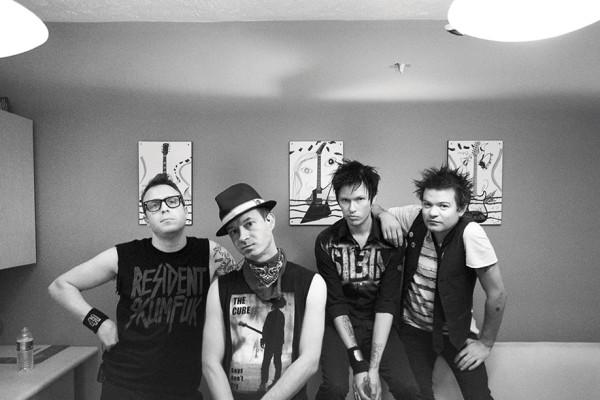 #FOTO: Sum 41 nos bastidores da DTLI Tour: